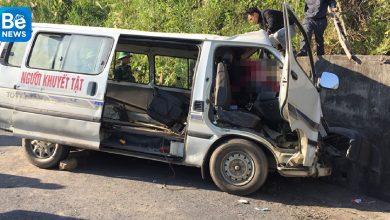車が崖に衝突し、二人が死亡した2